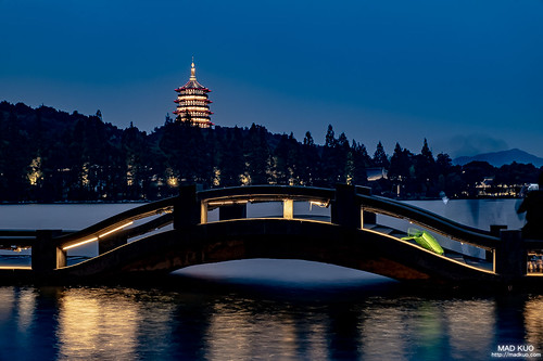 雷峰塔+長橋傍晚