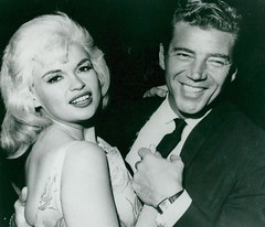 Jayne Mansfield en Mickey Hargitay (poedie1984) Tags: jayne mansfield vera palmer blonde old hollywood bombshell vintage babe pin up actress beautiful model beauty hot girl woman classic sex symbol movie movies star glamour girls icon sexy cute body bomb 50s 60s famous film kino celebrities pink rose filmstar filmster diva superstar amazing wonderful photo picture american love goddess mannequin black white tribute blond sweater cine cinema screen gorgeous legendary iconic mickey hargitay miklós miklos budapest hungary mr universe lippenstift lipstick jurk dress