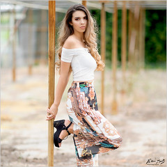 Fenice: Colourful Pants (Peter Heuts) Tags: fenice wouwse plantage wouwseplantage netherlands peter photography model shoot sony a99ii a99 mark2 frame bokeh pants broek pantalon hose beautiful 135mm dof peterheuts carlzeiss fullframe sal135f18z dutch nederlands heuts