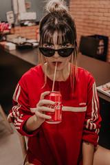 IMG_9553 (Alessandrokelvin) Tags: photoshoot ensaio food cocacola coca eyes model red canon canon6d portrait lanche light sensual oculos cellphone