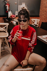 IMG_9545 (Alessandrokelvin) Tags: photoshoot ensaio food cocacola coca eyes model red canon canon6d portrait lanche light sensual oculos cellphone