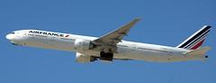 Boeing 777-328 F-GSQL (707-348C) Tags: losangeles thehill klax passenger airliner jetliner boeing boeing777 fgsql airfrance afr california b773 b77w triple 2019 usa lax ca