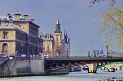 439 Paris en Mars 2019 - la Seine, la Tour de l'Horloge, La Conciergerie, le Pont d'Arcole, le Pont Notre-Dame, le Pont au Change, l'Île de la Cité (paspog) Tags: paris france mars march märz 2019 seine tourdelhorloge conciergerie pontdarcole pontnotredame pontauchange îledelacité
