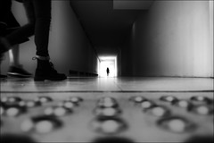 F_DSC7531-BW-1-Nikon D300S-Nikkor 20mm-May Lee 廖藹淳 (May-margy) Tags: maymargy bw 黑白 人像 逆光 剪影 通道 出口 幾何構圖 點人 街拍 線條造型與光影 天馬行空鏡頭的異想世界 心象意象與影像 台灣攝影師 台北市 台灣 中華民國 模糊 散景 fdsc7531bw1 portrait backlighting silhouette corridor exit humaningeometry humanelement taiwanphotographer streetviewphotography linesformandlightandshadow mylensandmyimagination naturalcoincidencethrumylens taiwan repofchinataipei citynikon d300snikkor 20mmmay lee blur bokeh