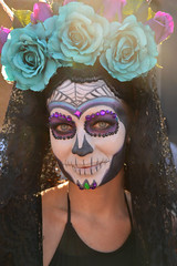 Shades of blue and purple (radargeek) Tags: 2017 october dayofthedead plazadistrict okc oklahomacity facepaint catrina