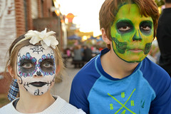 Bringing all their 'dead' to the look (radargeek) Tags: 2017 october dayofthedead plazadistrict okc oklahomacity facepaint zombie sister brother siblings kid child catrina