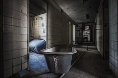 the next please - or - bathing day is on Friday (potosi6088m) Tags: freitag friday bad bath wanne tub badewanne bathtub baderaum bathroom badetag bathingday thenextpleaseorbathingdayisonfriday 1022mm