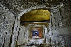 Carrière souterraine de tuffeau (flallier) Tags: carrière souterraine tuffeau underground quarry silhouette acétylène carbure lampe galerie tunnel souterrain touraine subterranean nikon d800 zeiss distagon 18mm valléeducher