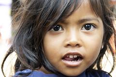 Khmer girl portrait; Kampong Chhnang (Valdas Photo Trip) Tags: india kampong chhnang street photography travel portrait