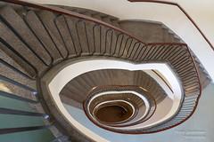 Treppenhaus Charite (Frank Guschmann) Tags: charite treppe treppenhaus staircase stairwell escaliers stairs stufen steps frankguschmann nikond500 d500 nikon architektur architecture