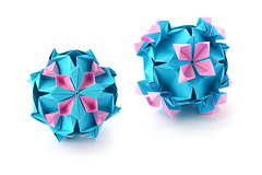 Floristry (ronatka) Tags: kusudama modularorigami nataliaromanenko square blue pink whitebackground variation