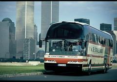 Starliner vor World Trade Center New York CitySept 2000