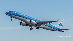 PH-EZN   Embraer ERJ-190 - KLM Cityhopper (Peter Beljaards) Tags: msn19000342 cf34 embraererj190 embraer klmcityhopper phezn nikond5500 ams eham aviationphotography nikon7003000mmf4556 schiphol takeoff departure vertrek polderbaan runway36l