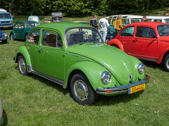 Beetles at the beach 2019 (Ronald_H) Tags: beetles vw volkswagen aircooled beach 2019 classic car nuenen dp61sz beetle bug 1978