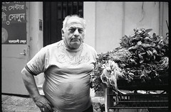 (With a Little Help From The Vegetables Man) (Robbie McIntosh) Tags: leicamp leica mp rangefinder streetphotography 35mm film pellicola analog analogue negative leicam summilux analogico leicasummilux35mmf14i blackandwhite bw biancoenero bn monochrome argentique summilux35mmf14i autaut dyi selfdeveloped filmisnotdead bokeh leicasummilux35mmf14 summilux35mmf14preasph ilfordhp5 ilford hp5 microphen reportage street napoli naples