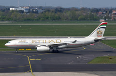 A330 A6-EYG Etihad (Avia-Photo) Tags: airport airline airliner aviacion aeroplane airplane aircraft airlines airliners aviation avion airbus dus eddl flugzeug jet luftfahrt plane planespotting pentax spotter