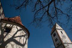 Füssen, hohes Schloss (andreas.zachmann) Tags: bäume deu badfaulenbach altstadt schloss schatten himmel äste gebäude kirche turm füssen bayern deutschland