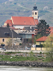 Pfarrkirche Wossendorf in the Wachau Valley (photo_paddler) Tags: europe austria wachauvalley village day spring color outdoor availablelight
