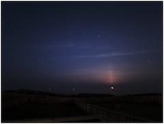 Moon-rising_4200007 (HJSP82) Tags: 20190427northumberland moonrise moon nightsky stars starry night eastcoast coast sea