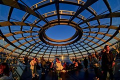 Visitors to the Reichstag Dome at Sunset (Sarah Marston) Tags: reichstagdome sunset berlin germany sony ilce6300 samyang samyanglens samyangfisheye people tourists april 2019