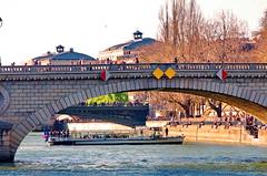 468 Paris en Mars 2019 - La Seine, Pont Louis-Philippe, Pont d'Arcole, Pont Notre-Dame (paspog) Tags: paris france seine mars march märz 2019 pont bridge brücke pontlouisphilippe pontdarcole pontnotredame