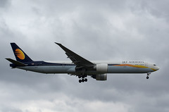 B777 VT-JEW Jet Airways 2 (Avia-Photo) Tags: airport aeroplane airline airliner aviacion airplane aircraft airlines airliners aviation avion boeing boeing777 egll heathrow jet luftfahrt lhr plane planespotting pentax spotter widebody