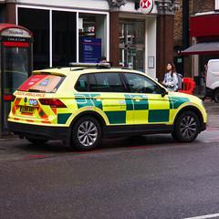 VOLKSWAGEN TIGUAN S TDI BMT 4MOTION (barronr) Tags: emergency 911 112 999 londonambulanceservice rapidresponsevehicle rrv ambulance londonengland