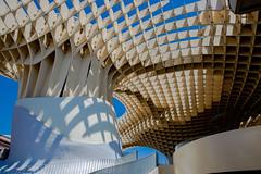 metropol parasol I (Rasande Tyskar) Tags: sevilla spain spanien metropol parasol umbrella city schirm schirme modern modernism moderne gitter grid structure mushroom sun shadow light shades future futurismus futureism