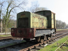 "Preserved Ruston & Hornsby 0-4-0DM ""Cynthia"" 30032019c (Rossendalian2013) Tags: preserved dieselmechanicallocomotive 040dm class88ds cynthia 412431 peakrail rowsleysouth signalbox shunter train railway"