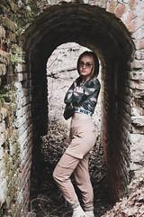 Alice posing on the old ruins / Алиса позирует на руинах 2019 (jose6210) Tags: girl flickrgirl model posing ruins