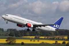 Boeing 737-883 LN-RRK Scandinavian Airlines (Mark McEwan) Tags: boeing boeing737 b737 boeing737883 lnrrk sas scandinavianairlines edi edinburghairport edinburgh aviation aircraft airplane airliner