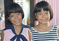 pretty twins (the foreign photographer - ฝรั่งถ่) Tags: pretty twins girls khlong lard phrao portraits bangkhen bangkok thailand nikon d3200