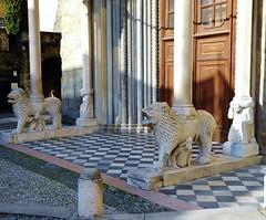 Santa Maria Maggiore Basilica, South entrance or White Lions - Bergamo (litlesam1) Tags: lions statues italy2019 duepazziragazziamilano2019 march2019 bergamo