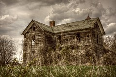 Yet another old house (builder24car) Tags: oldhouse oncewashome leftbehindandforgotten abandoned clouds northcarolina