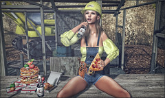 *All you need is love and pizza.. You definitely need pizza * ❤️ (Ⓐⓝⓖⓔⓛ (Angeleyes Roxley)) Tags: fashiowl poses pizza scaffold bottle decor sl secondlife event tres chic single mainstore