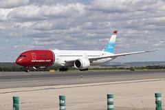 IMG_8989 (Pablo_90) Tags: plane planespotting lemd mad spo spotting airbus bo boeing a320 a330 a380 b737 b787 airport aircraft