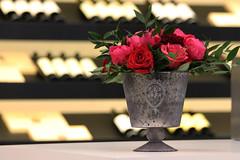 Le bouquet n'est pas que dans le verre... (NUMERIK33) Tags: vin vinexpo àconsommeravecmodération rose pink fleurs flowers bouquet event explore numerik33