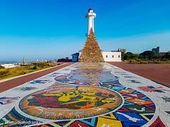 Mandela Bay-Port Elizabeth-South Africa (johnfranky_t) Tags: port elizabeth sudafrica south bafrica johnfranky t samsung galaxy s7 piramide faro mosaico cielo azzurro piante mar oceano indiano