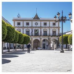 Place d'Espagne à Medina Sidonia (PATRICK skorzec) Tags: personne andalousie espagne medinasidonia lampadaire architecture couleur