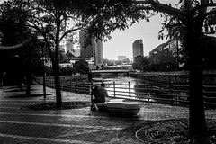Resting (Thanathip Moolvong) Tags: olympus 35 sp ilford hp5 plus film people candid street black white bw rangefinder