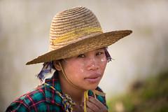 Birmanie: femme des rizières. (Claude Gourlay) Tags: birmanie myanmar burma claudegourlay portrait retrato loikaw rizières