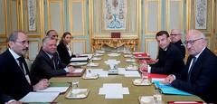 جلالة الملك عبدالله الثاني يلتقي الرئيس الفرنسي إيمانويل ماكرون، على هامش القمة التي تستضيفها باريس (نداء كرايست تشيرش) للتصدي للتطرف على الإنترنت (Royal Hashemite Court) Tags: جلالة الملك عبدالله الثاني الأردن فرنسا نيوزيلندا كريست تشريش باريس jordan kingabdullahii kingabdullah france new zealand