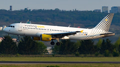 Airbus A320-216 EC-KDX Vueling (William Musculus) Tags: airport spotting aviation plane airplane william musculus paris charles de gaulle lfpg cdg eckdx vueling airbus a320216 a320200 vy vlg