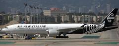 Boeing 777-319 ZK-OKN (707-348C) Tags: losangeles thehill klax passenger airliner jetliner boeing boeing777 zkokn airnewzealand airnz anz triple b773 b77w lax california usa 2019 ca