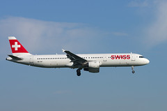 A321 HB-IOF Swiss 2 (Avia-Photo) Tags: airport airline airliner aviacion aeroplane airplane airlines aircraft airliners avion aviation airbus ams eham flugzeug jet luftfahrt plane planespotting pentax spotter schiphol approach