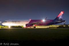 HA-LXK Airbus A321 Wizzair Glasgow airport EGPF 03.05-19 (rjonsen) Tags: plane airplane aircraft aviation airliner airside runway tripod night photo