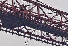 Bungee-Springen / Bungee-Jumping # 1 (schreibtnix on'n off) Tags: reisen travelling europa europe spanien spain portugalete menschen people brücke bridge biskayabrücke biskayabridge bungeespringer bungeejumper olympuse5 schreibtnix