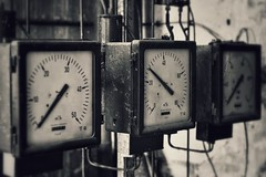 measuring instruments, state of the art (robert.freitag) Tags: nikon nikond7200 bw sw monochrome rust rost rotten decay old alt