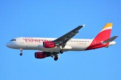 (CDG) IBERIA Express Airbus A320-214  EC-LKH (dadie92) Tags: cdg roissy iberia iberiaexpress airbus a320 a320214 landing spotting eclkh aircraft airplane nikon d7100 sigma tamron danieldanel