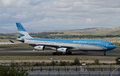 LV-FPU (moloneytomEIDW) Tags: airbusa340 aerolineasargentinas a340 a340300 lvfpu airbus mad madridairport a343